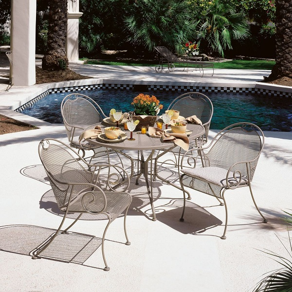 wrought-iron-patio-furniture-2